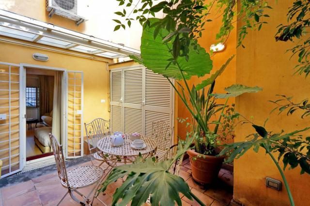 Conservatorio Studio Apartment